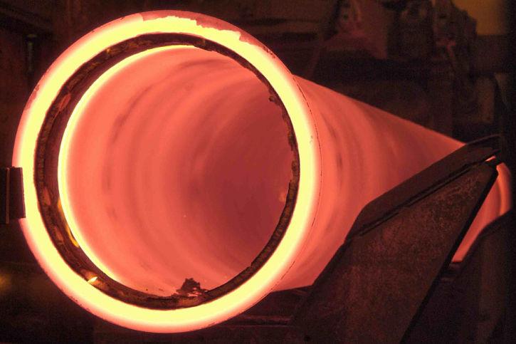 Centrifugación de un tubo de fundición dúctil.